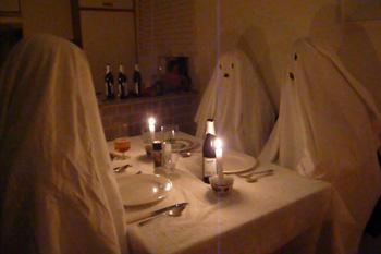 Unheimlich Gäste